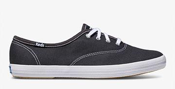 Navy Champion Sneaker